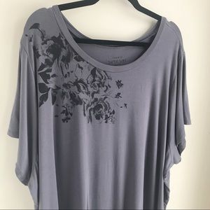TORRID | Grey Super Soft Knits Tee Black Roses 6x